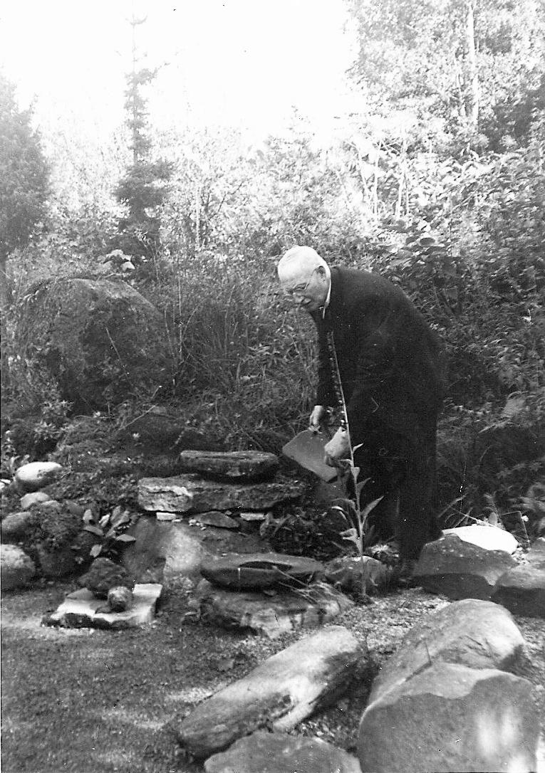 Malsten från stenålderna, funnen i A.S. Sunesons trädgård